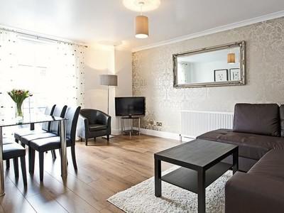 living_room_spring_gardens_edinburgh_square_property - Living Room Spring Gardens Apartment Edinburgh by SQUARE Property (© SQUARE Property Edinburgh)