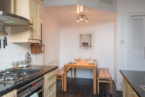 Two bed apartment easter road edinburgh book now lets get local easterroad 18 negle Images