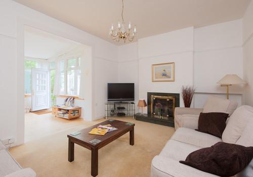 Blinkbonny Road Apartment-6