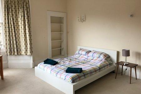 Warrender Park road - Edinburgh meadows flat - Bedroom