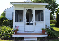 Waterfront Vacation Rental Cottage 2-001