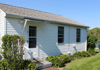 Waterfront Vacation Rental Cottage 2-002