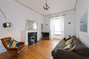 Two bed apartment easter road edinburgh book now lets get local easterroad 2 negle Images