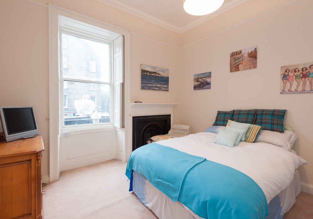 Beach room  - double bed and a single bed