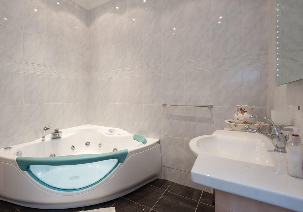 Jacuzzi bathroom - Fun room