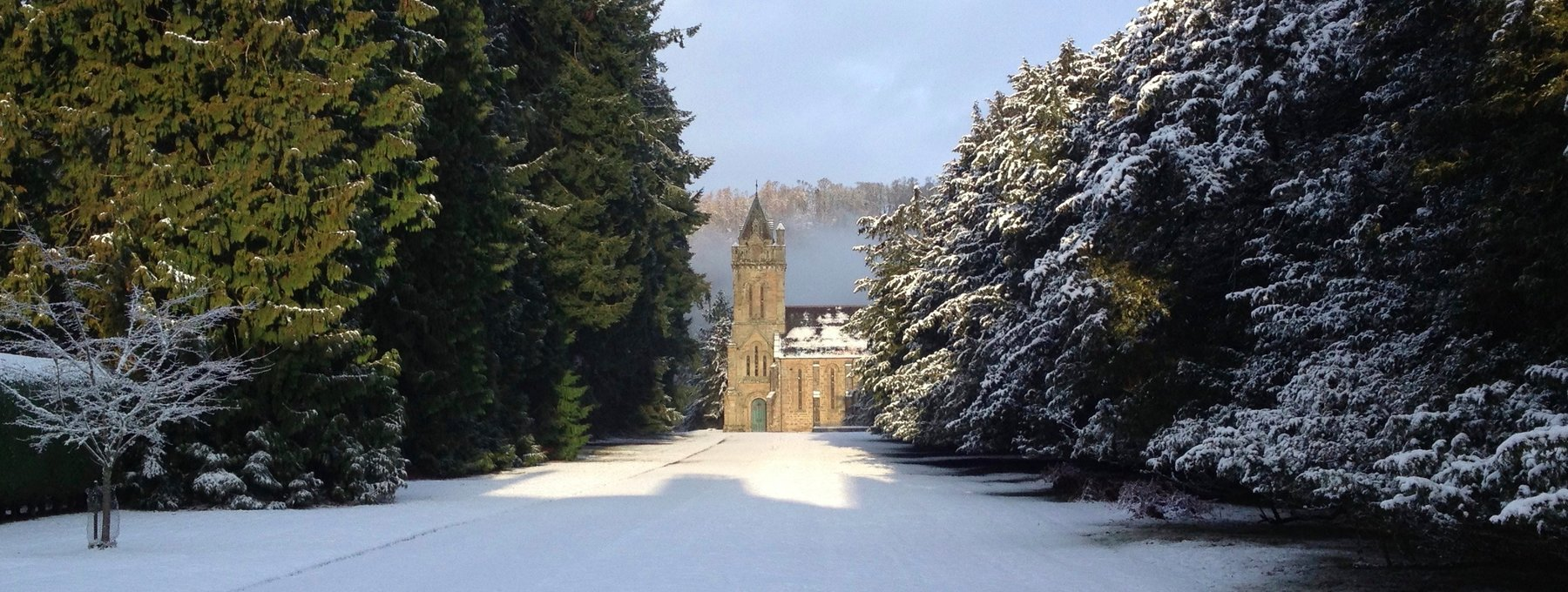 fullsizeoutput_2b8e - The chapel at Murthly Castle makes the perfect setting for a winter wedding. (© Murthly Estate)