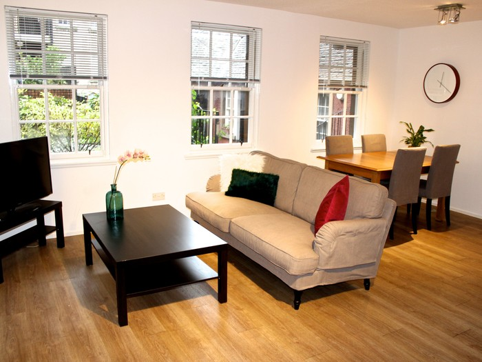 grassmarket_apartment_edinburgh_square_property (© square_property)