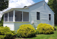 Waterfront Vacation Rental Cottage 5-006