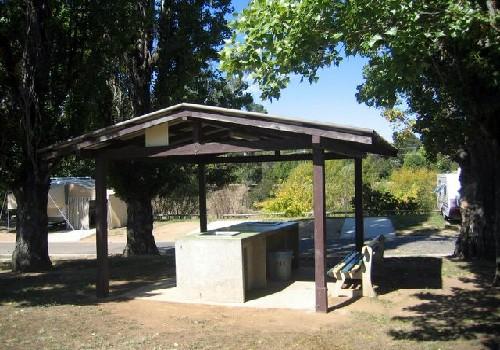 queanbeyan riverside tourist park queanbeyan canberra. Black Bedroom Furniture Sets. Home Design Ideas