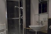 Acorn - Kamen House  - Selection - Bathroom - One of our modern shower rooms