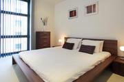 Discovery Dock Master Bedroom - Two bedroom apartment Master Bedroom with En-Suite