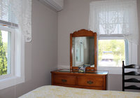 Waterfront Vacation Rental Cottage 3-008