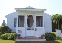 Waterfront Vacation Rental Cottage 3-001