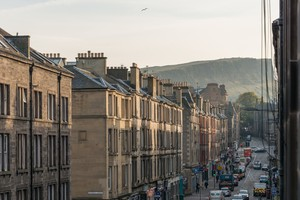 Two bed apartment easter road edinburgh book now lets get local easterroad 34 negle Images