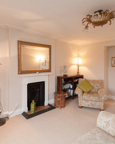 Hart Street Apartment-19 - Family living room with large wall mirror in luxury Edinburgh holiday let