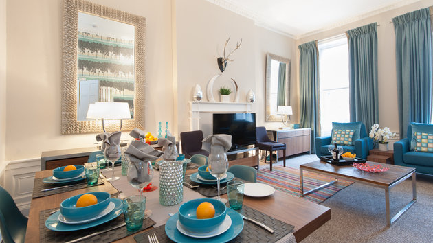 South Charlotte Street Apartment-1 - Spacious family living and dining room in Edinburgh holiday let
