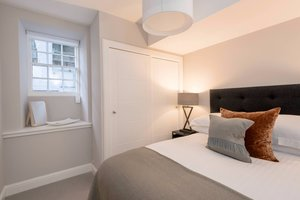 Double room with grey colour scheme in Edinburgh West End apartment