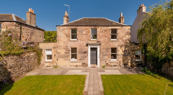 Old Church Lane 1 - Lochside House, a luxury Edinburgh holiday let