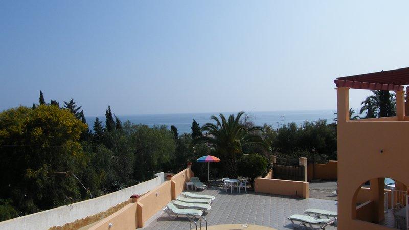 Claravista 1 view to sea - Gran oportunidad para viajar con amigos y familiares y tener su propio espacio. 2 villas con capacidad para 14 con piscina privada. Wifi y Smart TV.