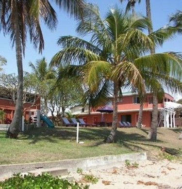 Absolute Beachfront Seaspray Waterfront Holiday Units