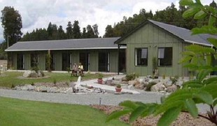 Picture of Lake Brunner Country Motel, Cabins & Campervan Park, Westcoast