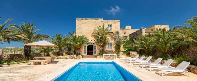 Gozo Farmhouse Airbnb - An original Airbnb farmhouse in Gozo enjoying the most fabulous countryside views and location in rural Xaghra.