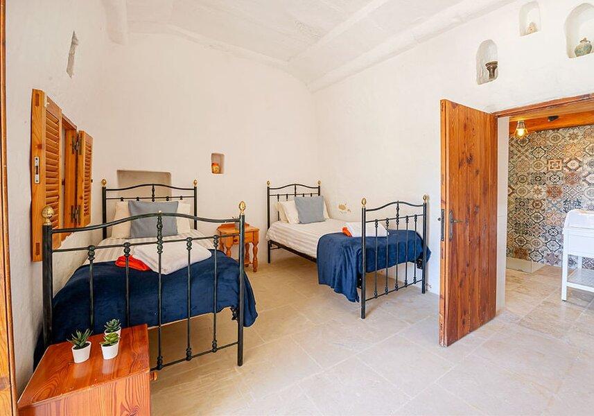 Bedroom 1 Twins