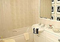 townhouseapartmentbathroom-copy