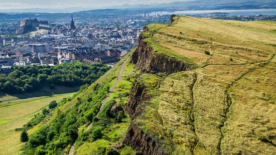 visiting-arthurs-seat-edinburgh