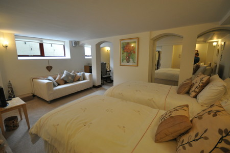 Accommodation North Berwick - Master bedroom