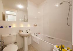 Blair St 3 Suite bathroom