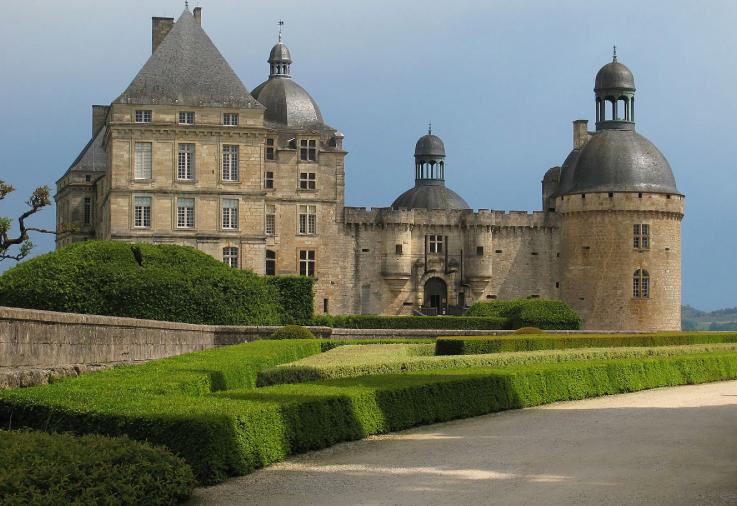 Hau - Hautefort Chateau, North Dordogne