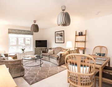 Number 9 Gullane - Bright and spacious sitting room (© Coast Properties)
