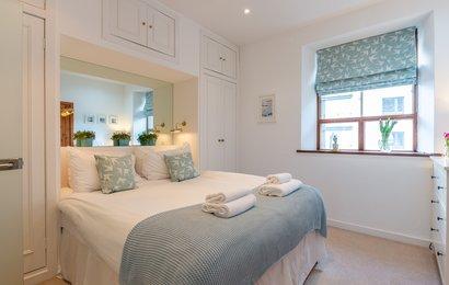 DSC_6579 - Master bedroom (© Master bedroom)