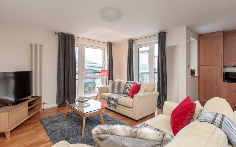 The Park (Holyrood Road) 1 - Spacious family living area at Edinburgh holiday let
