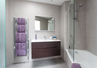 23.Clean and stylish First Floor Bathroom