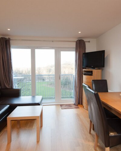 282752-the-lochend-park-view-residence-no-1-14 - Family living room and dining area in Edinburgh holiday let