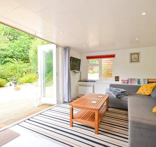 Wight Holiday Lettings - Open Plan Living Room