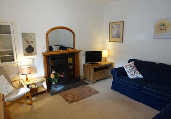 Atholl Cottage, pet friendly 2 bedroom holiday cotttage, Gullane - Comfortable sitting room (© Coast Properties)