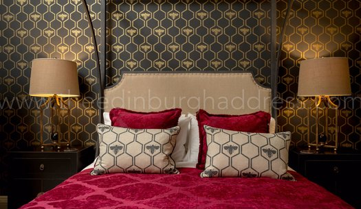 Master Bedroom - Opulent master bedroom with King-sized four poster bed. (© The Edinburgh Address)