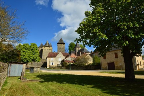 Badefols  - View of the Chateau and Church from the Lavoir.