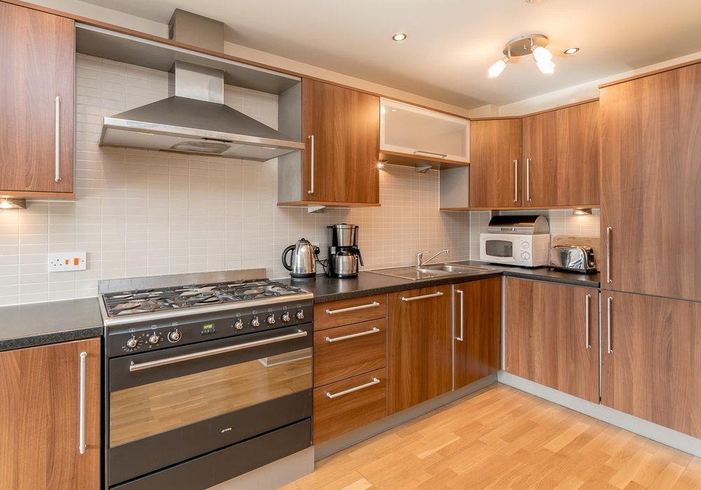 Modern Two-Bedroom Holiday Apartment in Edinburgh City ...