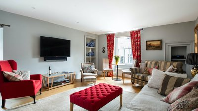 The Calton Residence - Edinburgh Holiday Apartment - Luxury 2 bedroom holiday apartment in Edinburgh City Centre. (© innerCityLets)