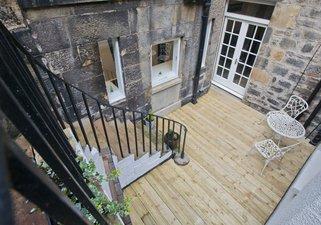 Queen Street Courtyard