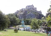 43.Local Area - Edinburgh Castle Princes Street Gardens