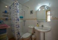 R021-sale pics Showeroom