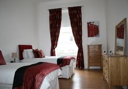 Bedroom (Twin)