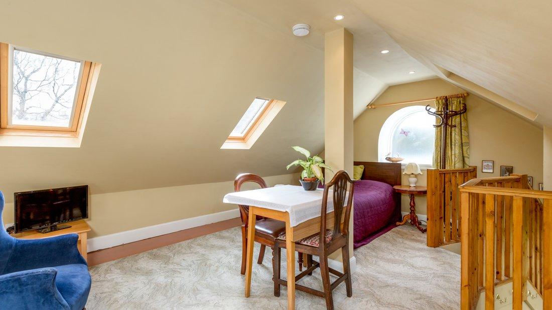 Hayloft - Studio with Parking - Interior bedroom