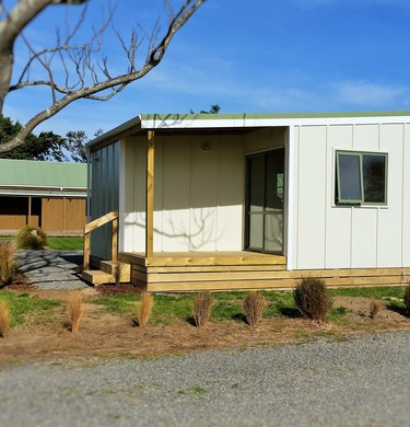 2014-09-26 09.26.50 - 2 room standard family cabin (© Martinborough TOP 10 Holiday Park)