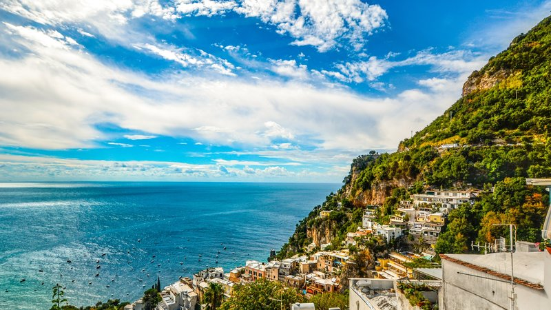 amalfi-amalfi-coast-architecture-bay-358223 (© Pexels.com)